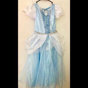 Girls Disney Cinderella dress size 9/10